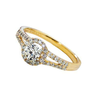 Anillo en oro amarillo de 18 Kilates con diamantes de 0.56Ct peso total