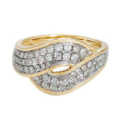 Anillo en oro amarillo de 18 Kilates con 70 diamantes de 0.67Ct peso total