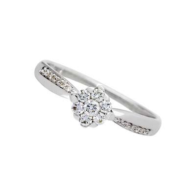 Anillo en oro blanco de 18 Kilates rodinado con diamantes en decoracion de 0.20Ct peso total, de la colección flores para ti