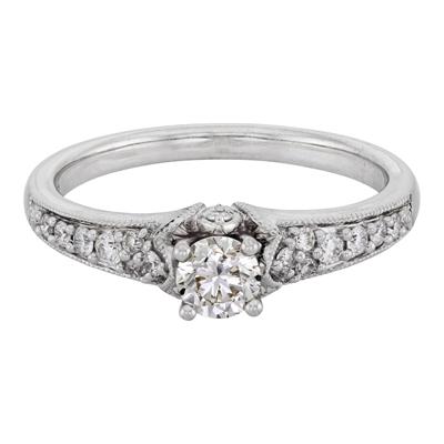 Anillo compromiso en oro blanco de 18 Kilates con diamantes de 0.48Ct peso total
