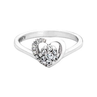Anillo en oro blanco de 18 Kilates, con 16 diamantes en decoracion de 0.20 Quilates, de la coleccion: Flores para ti