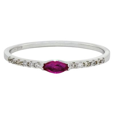 0124300010 - Anillo en oro blanco de 18 Kilates, con rubi central de 0.18 Ct y decoración en diamantes de 0.06 Ct