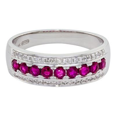 0124700038 - Anillo en oro blanco de 18 Kilates, con 9 rubis centrales de 0.55 Ct y decoración en diamantes de 0.15 Ct