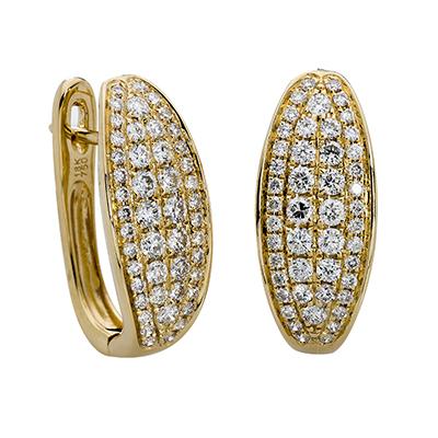 Aretes en oro amarillo de 18 Kilates diseño con diamantes en decoracion de 0.86Ct peso total, 8 milímetros de ancho, con broche tipo clip