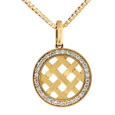 Dije en oro amarillo de 18 Kilates con 30 diamantes de 0.15 Ct Peso total.