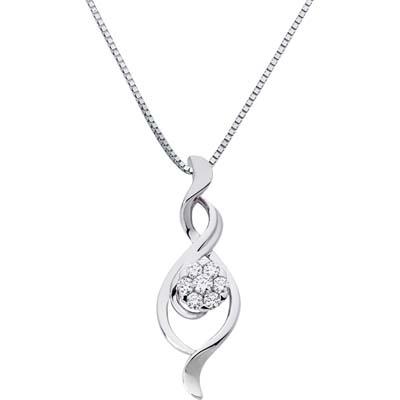 Dije en oro blanco de 18 Kilates con 7 diamantes de 0.20 Ct peso total de la colección Flores para ti.
