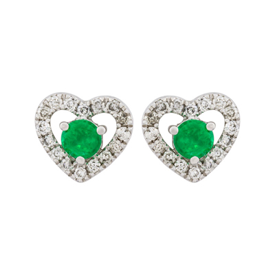 1522706009 - Topos en oro blanco de 18 Kilates, Corazon, con 2 esmeraldas centrales de 0.12 Ct y decoración en diamantes de 0.10 Ct, 2.50 mm. de ancho
