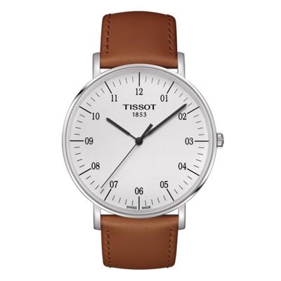 Reloj Tissot analogo, para Hombre, tablero redondo color blanco, estilo index + arabigo, pulso cuero color café