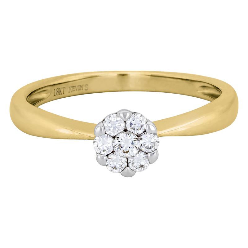 011172J022 - Anillo compromiso en oro amarillo de 18 kilates, con 7 diamantes centrales de 0.30 ct, 2 mm. de ancho, de la coleccion flores para ti