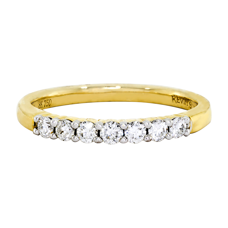 011172K022 - Argolla en oro amarillo de 18 kilates, centillo, con diamantes de 0.24 ct